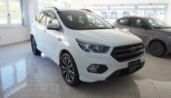 immagine dell´auto usata Ford Kuga ST-LINE 4WD – Cambio Automatico 2.0 TDCi 150cv